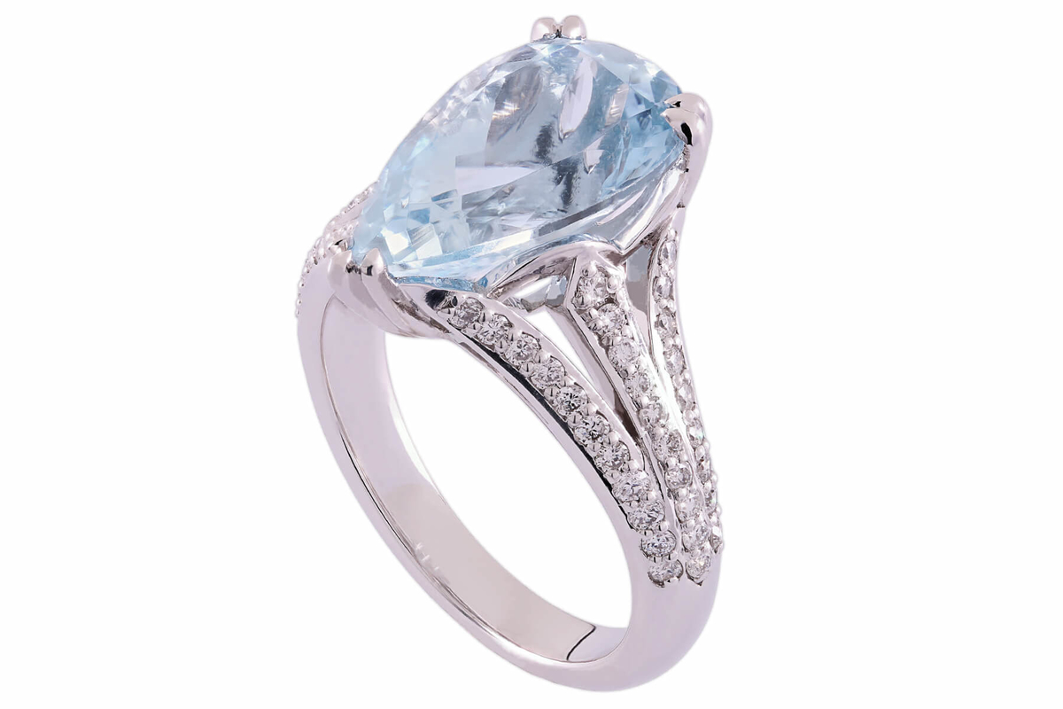 tok_jewellers_alyssa_18k_white_gold_pear_shaped_aquamarine_and_diamond_cocktail_ring.jpg